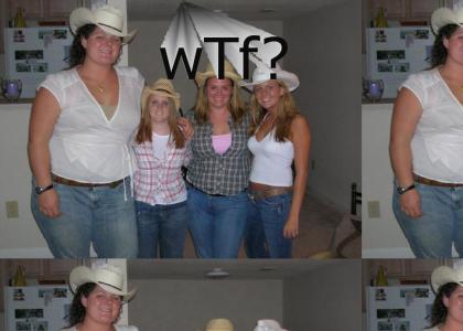 teh giant cowgirl or 3 midget cowgirls!?