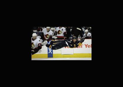 Derek Roy takes a dive