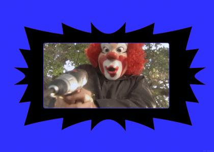 </ A Clown with a Powerdrill \>