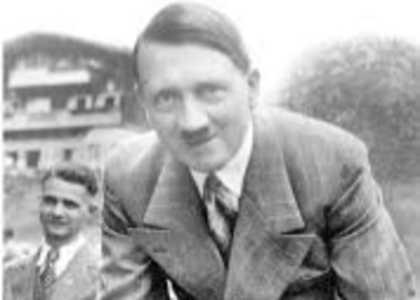 Old picture of Hitler and his best friend found (1935)